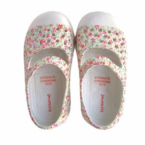 Old Navy Perforated Floral Sandals Girls Size 5T